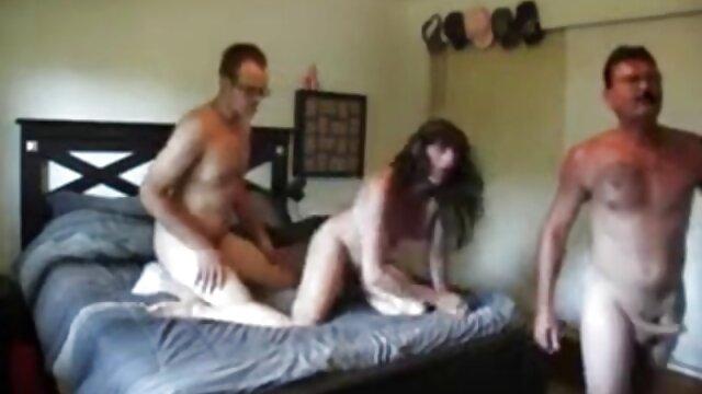 MILF kostenlos porno videos schauen in Aktion